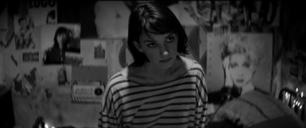 Seriously, that looks like Winona Ryder, right?